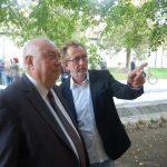 Tóth Károly emléktáblájának leleplezése – Balról Molnár Péter és Hodossy Gyula (foto: Balkó Gábor)