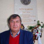 Tóth Károly emléktáblájának leleplezése – Mag Gyula, az emléktábla készítőja (foto: Balkó Gábor)