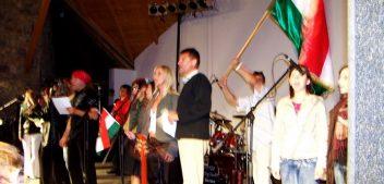 Tíz éve hozta el a Kormorán együttes az ajándékát Zoboraljának