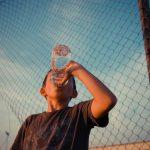 Bere acqua fa dimagrire: quali verità?