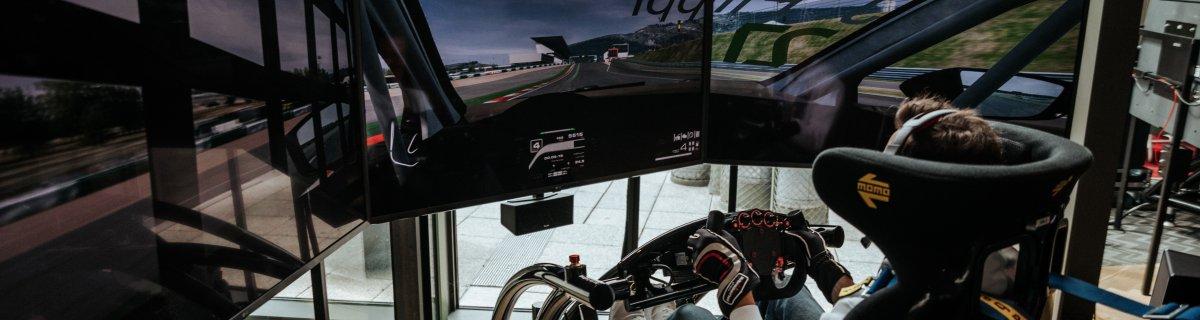 Die RaceRoom Racing Experience bringt perfektes Fahrgefühl