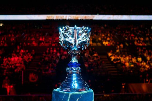 LoL Worlds Trophy