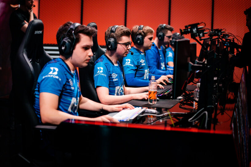 Will Schalke 04 Be Selling Their LEC Spot