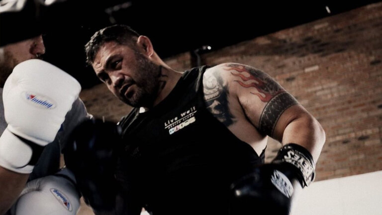 Mark Hunt with boxing gloves sparring