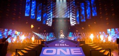 Auf der Bühne der ESL spielen die Profiteams 2019 um den Titel.