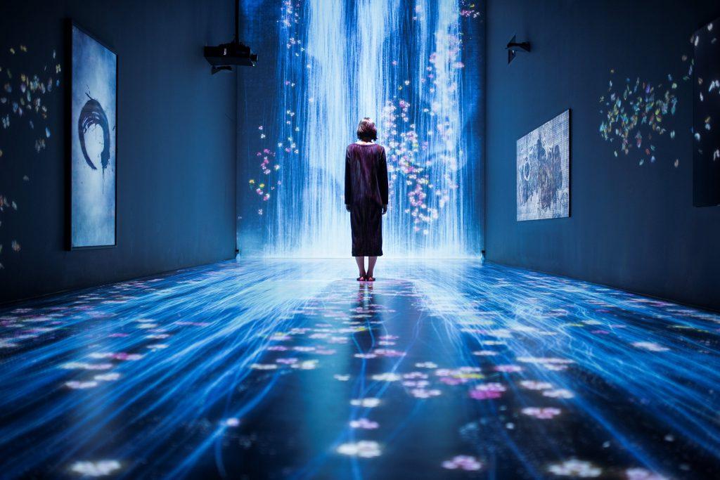 Невероятная интерактивная инсталляция