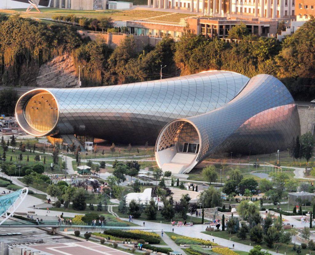 Fuksas представил здание музыкального театра в Тбилиси