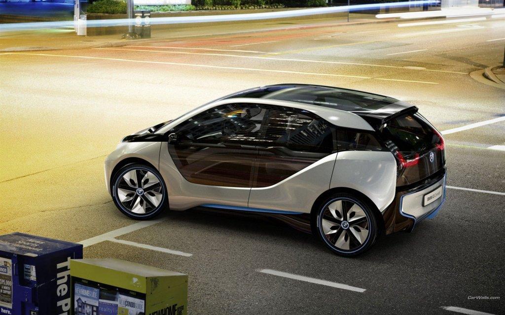 BMW i3: электромобиль в футуристическом стиле