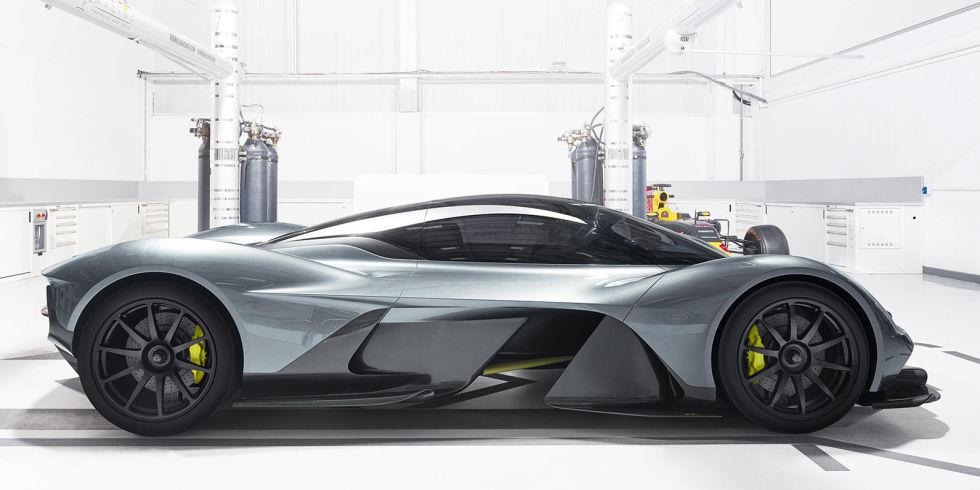 Aston Martin: интригующая модель суперкара со средним расположением двигателя