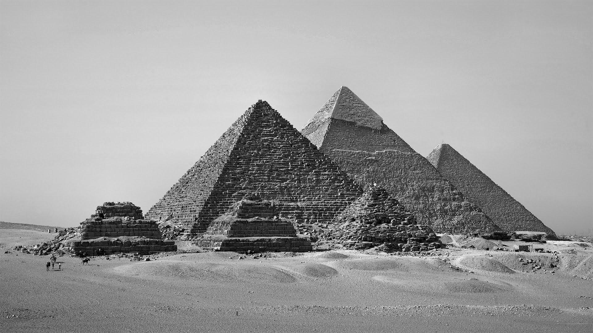 Вековые тайны пирамид