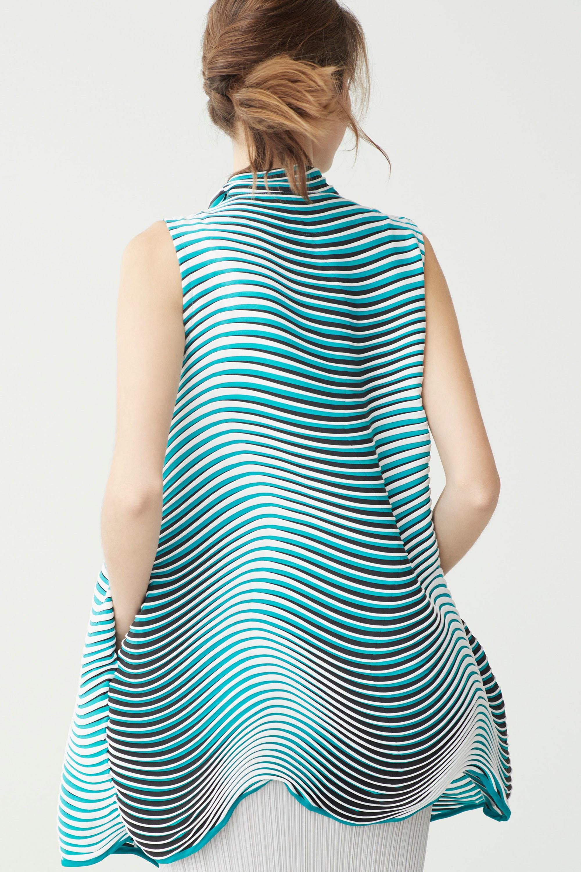 Лаконичность форм от дома моды Issey Miyake в коллекции Resort-2018