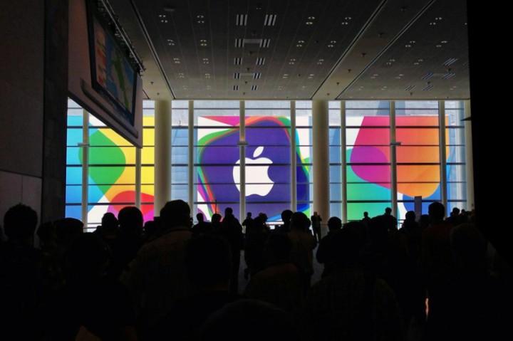 Всемирно известная корпорация «Apple» теряет свое дизайнерское кредо. Так ли это?