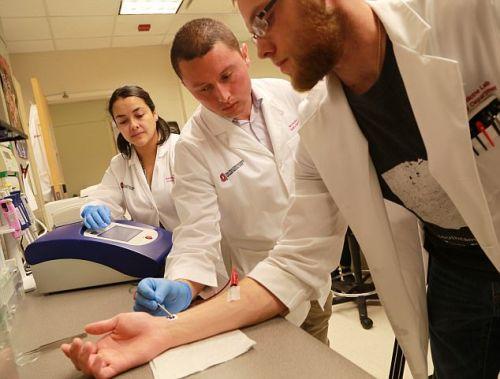 Прорывное устройство исцеляет органы тела одним касанием