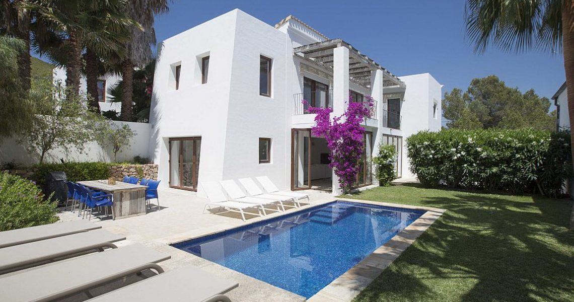 Modern design villa in Ibiza walking distance to the beach
