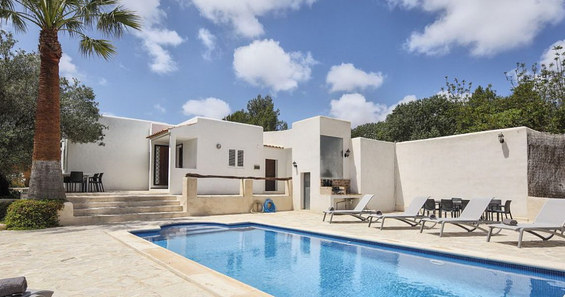 Renovated Villa in Ibiza decorated in a contemporary classic way