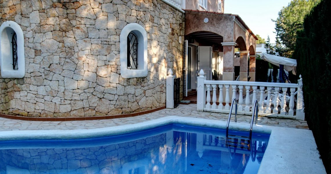 Villa in Ibiza close to Es Canar beach, walking distance