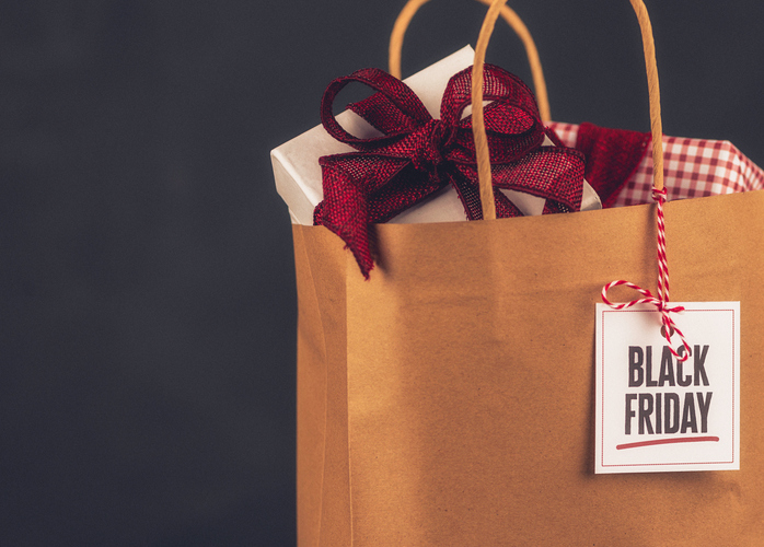 Black Friday Sale shopping bag, gifts and message