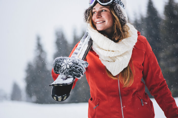 Ski Outfit rote Jacke Ski Outfit