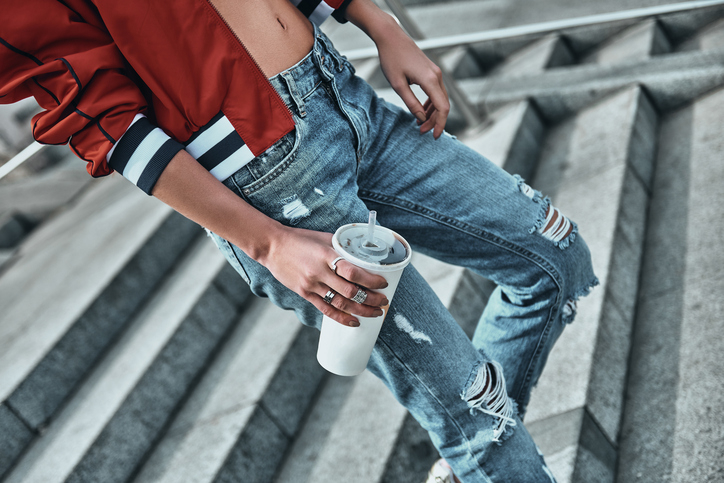iStock 673964426 Revival des 90s : le Mom Jeans