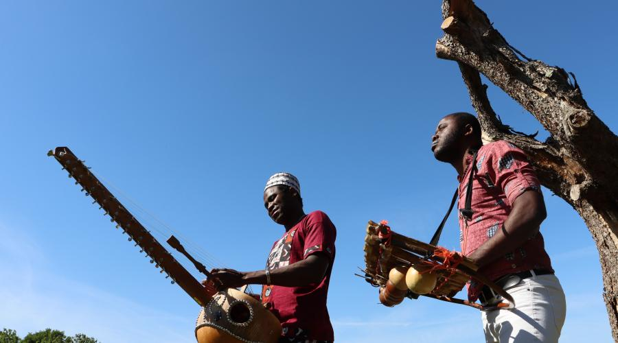 Duo Seco - Messages from Africa © Leen Devyver
