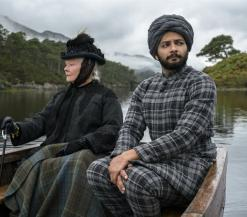 Victoria en Abdul in de boot