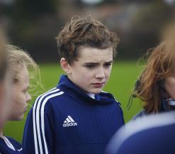 Charlie in de voetbaltraining