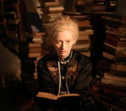 Eve tussen boeken