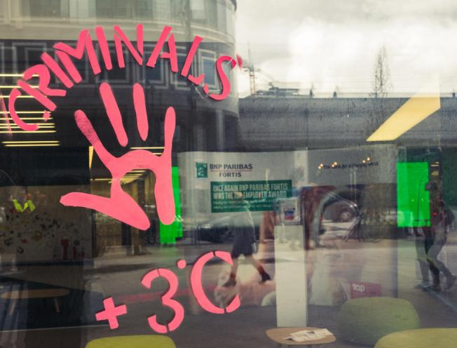 Act 4 Climate justice blokkeerde een gebouw van BNP Paribas Fortis