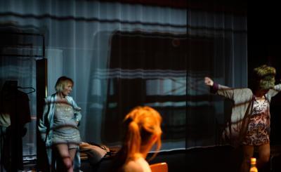 Sien Eggers, Sofie Palmers en Jessa Wildemeersch ARSENAAL/LAZARUS | Den beer heeft mij gezien