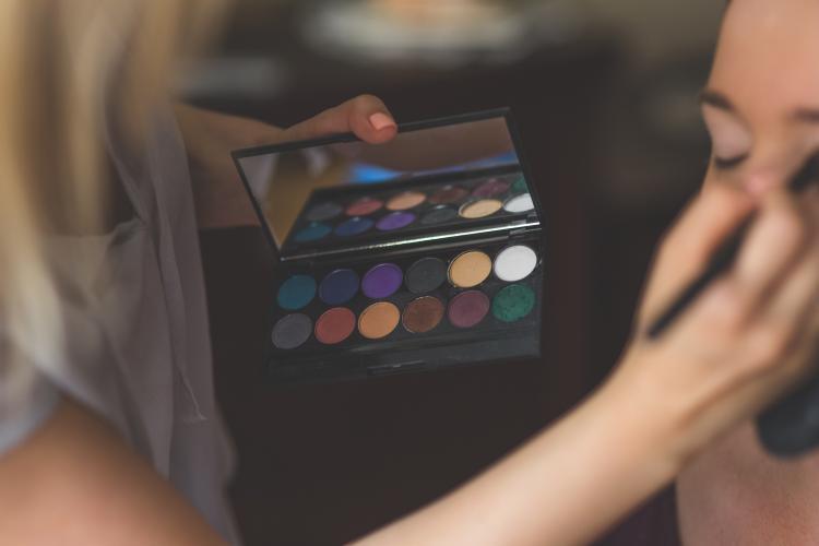 VormingPlus Oostende-Westhoek | Make-up volgens jouw kleurprofiel