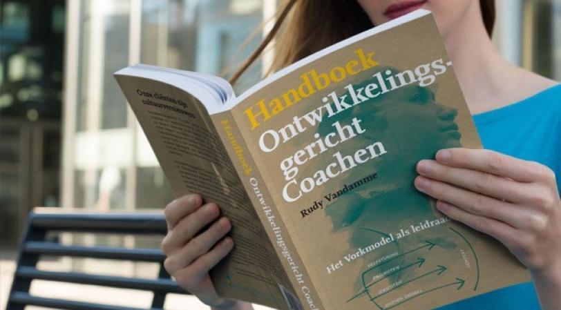 Boek 'Ontwikkelingsgericht Coachen. Het Vorkmodel als leidraad'