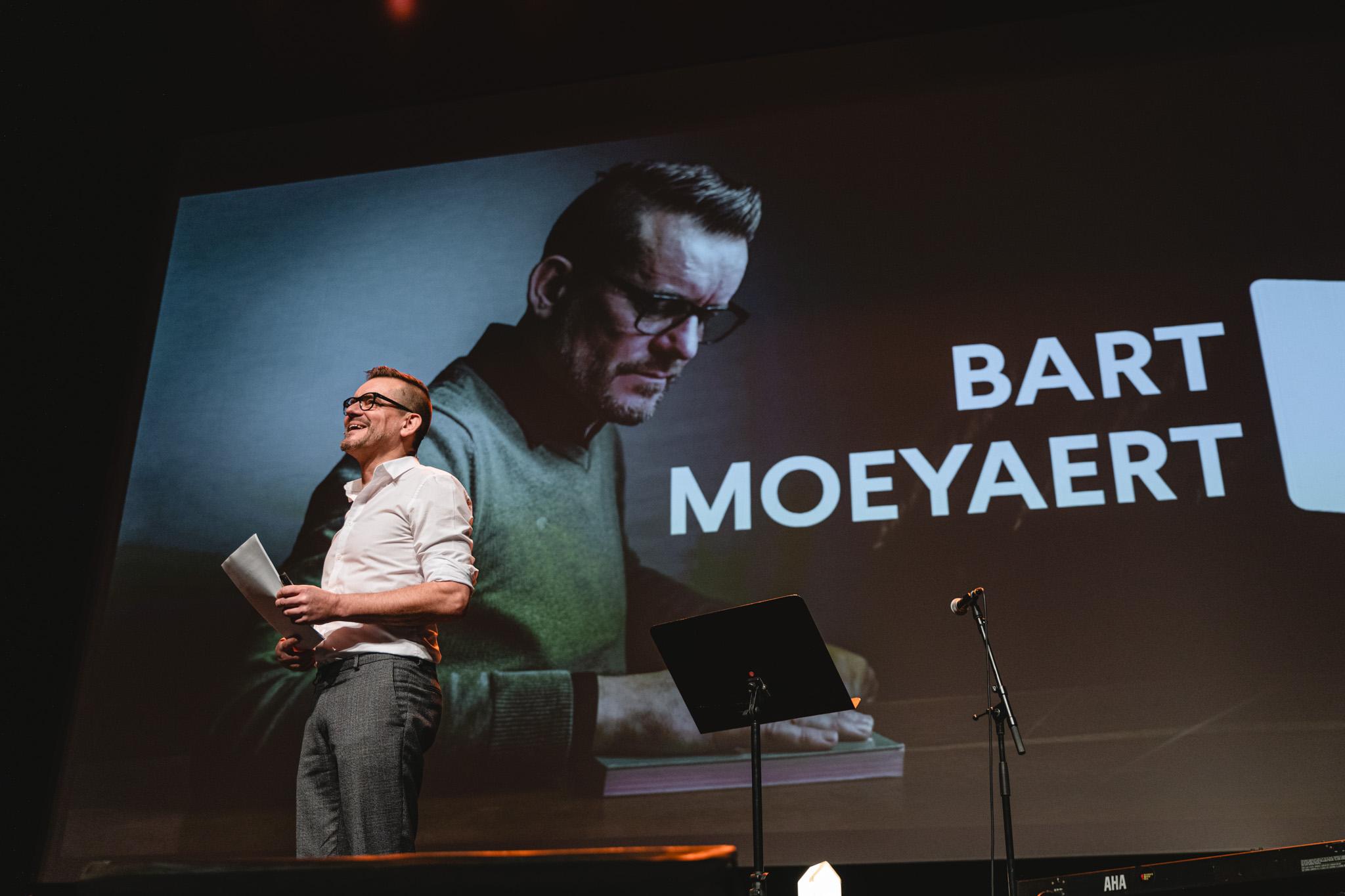 Bart Moeyaert speecht op de Iedereen Leest-conferentie