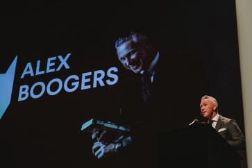 Auteur Alex Boogers houdt de eerste keynote