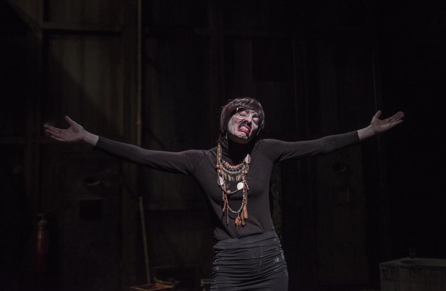 Kirsten Pieters in Gonzo (Abattoir Fermé)