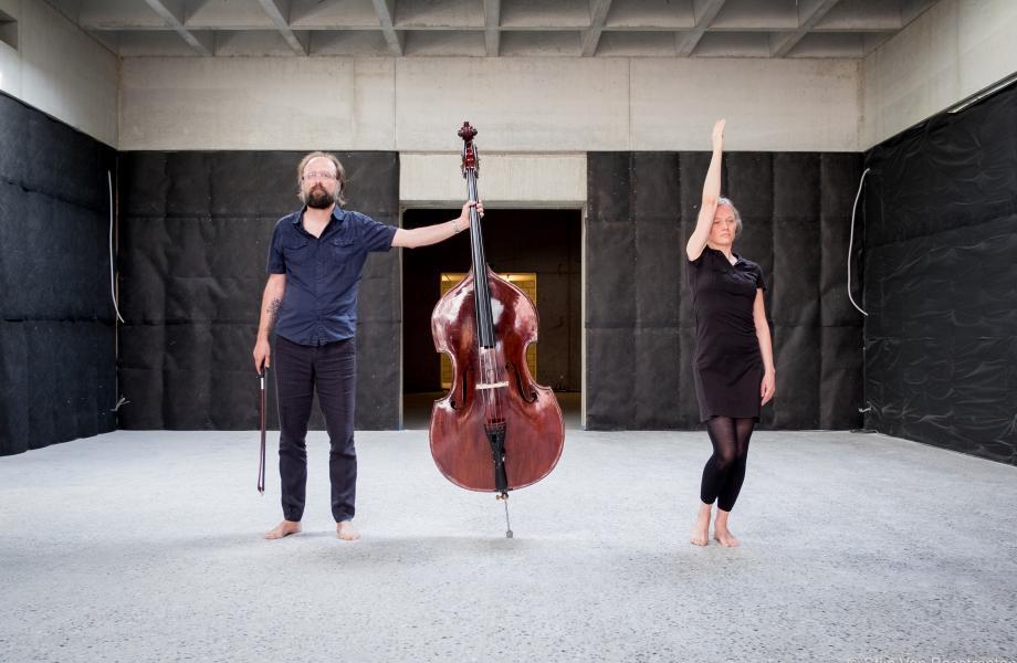 Hyphen - Charlotte Vanden Eynde en Nicolas Rombouts - kunstencentrum nona © Stijn Van Bosstraeten
