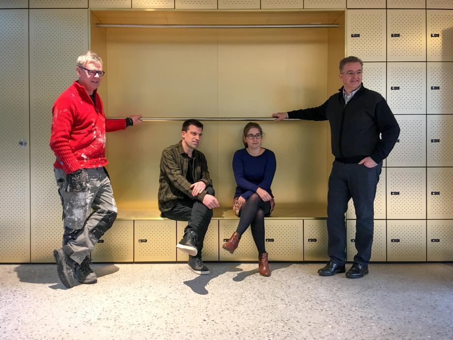V.l.n.r. Axel Doumen (bestuurder), Bart Vanvoorden (artistiek leider), Ilse Thienpont (zakelijk leider), Louis De Wael (bestuurder) © Stijn Van Bosstraeten