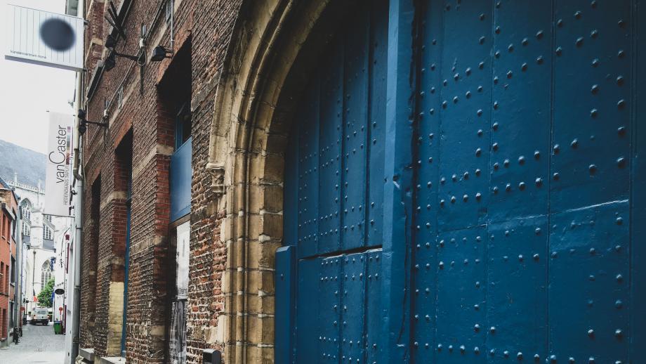 Gevel oude zaal - kunstencentrum nona © Stijn Van Bosstraeten