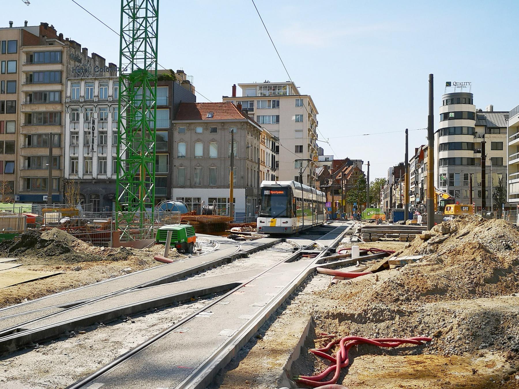 Tramsporen Rooseveltplaats richting Kipdorpbrug