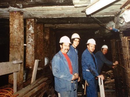 Een foto van Rony 40 jaar geleden aan het werk tijdens de bouw van de premetro.