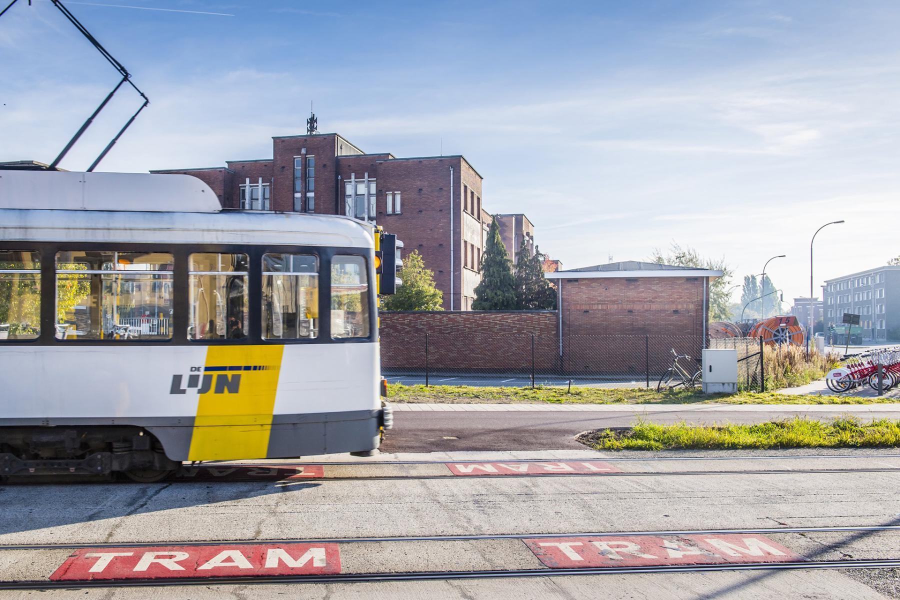 Tram van De Lijn op de Noorderlaan