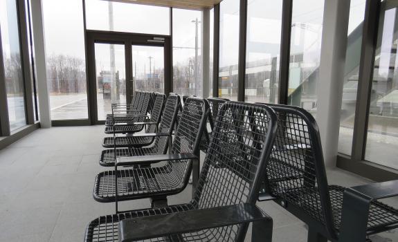 wachtruimte voor reizigers van De Lijn aan Havana-site