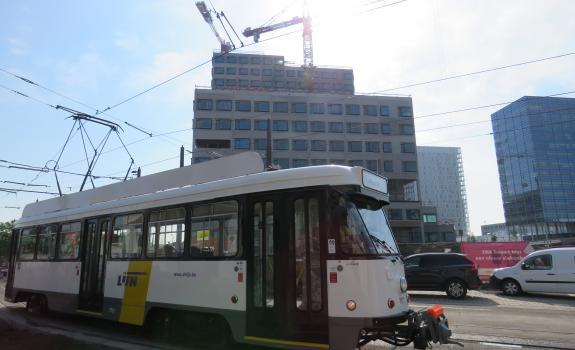 tram maakt proefrit met zicht op zna cadix