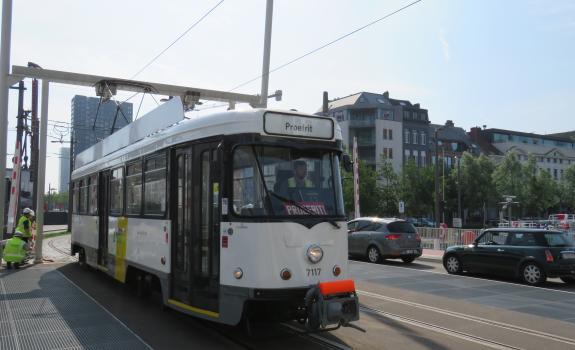 Proefrit tram 70 aan Londenstraat