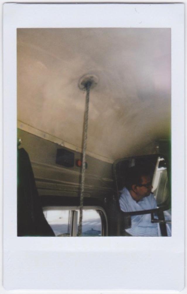 Reflectie van een trambestuurder