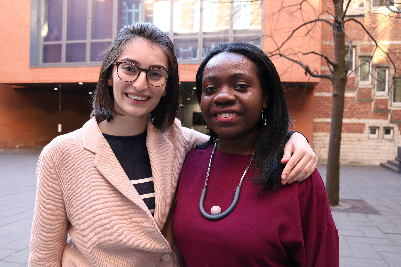 Nozizwe Dube en Alexandra Smarandescu