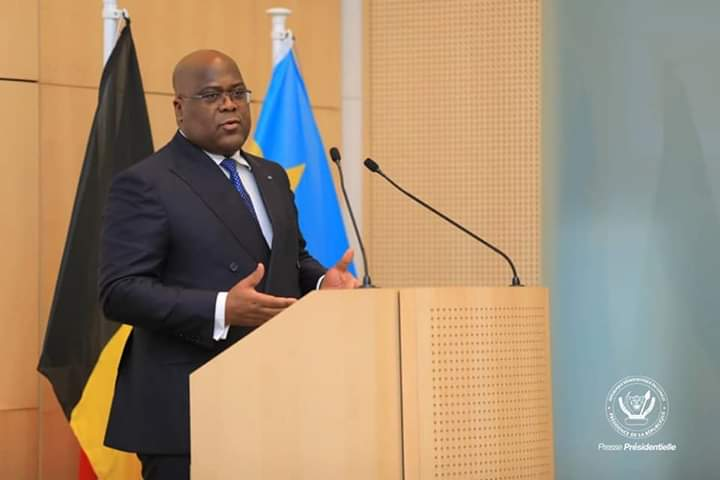 Tshisekedi praat voor het VBO