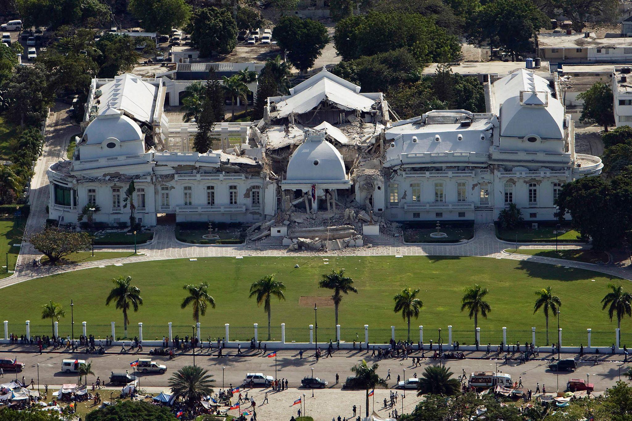 Het verwoeste presidentieel paleis in Port au Prince