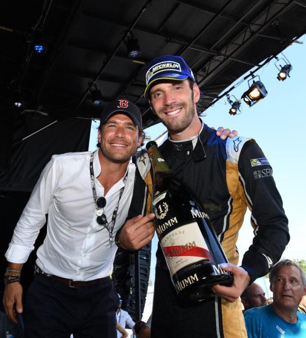 Carl Gurdjian (links) met kampioen Formule E Jean-Éric Vergne