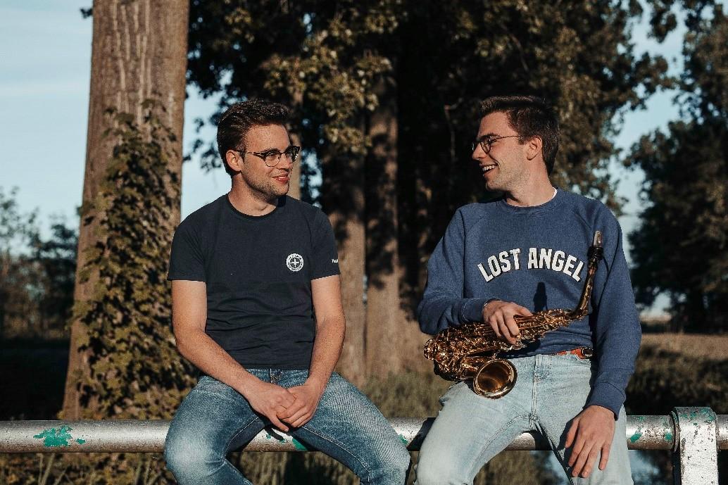 Dj Merlo en saxofonist Louis