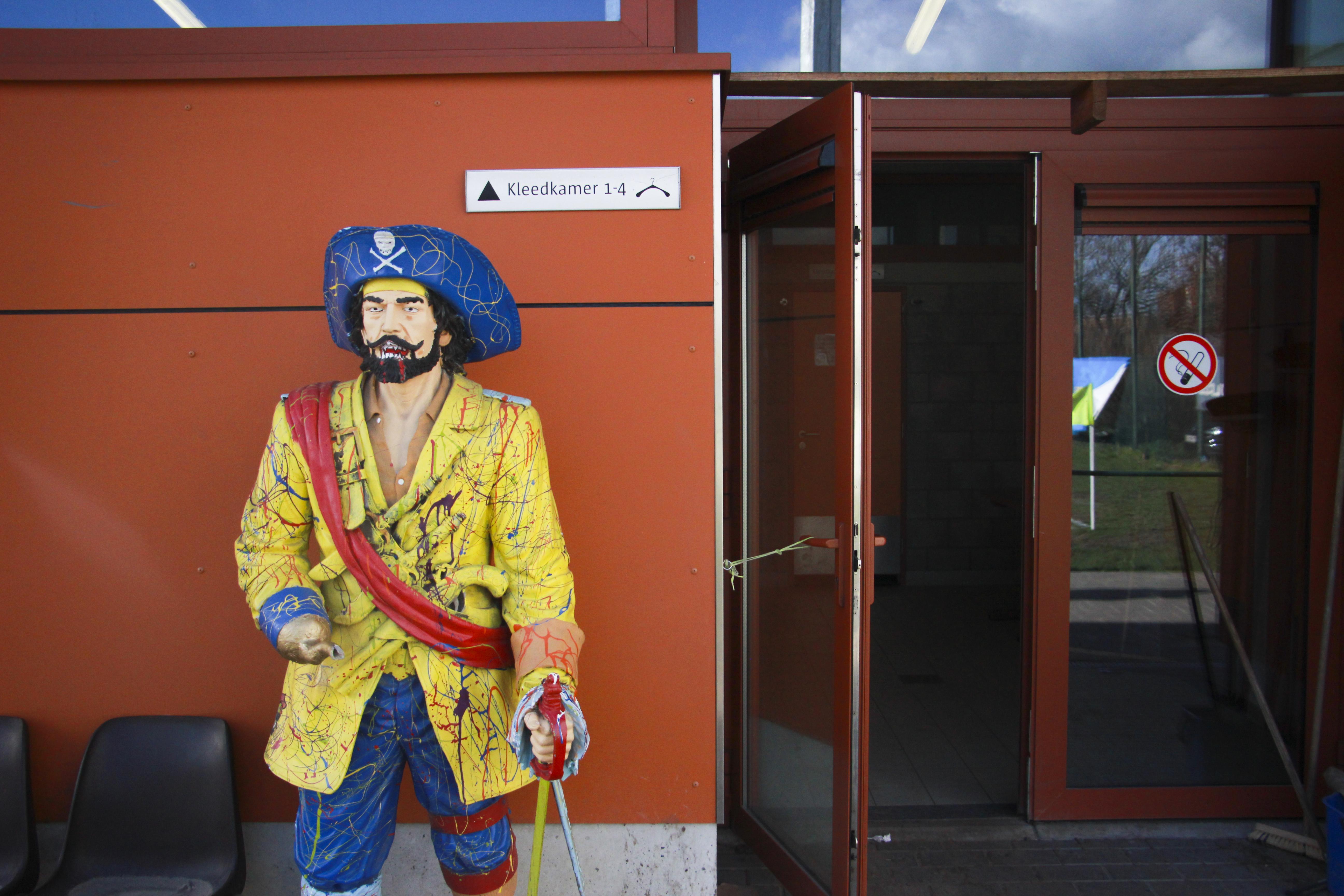 Standbeeld van een piraat